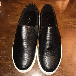 EUC Aldo Black Perine Slip On Sneaker, Size 6.5